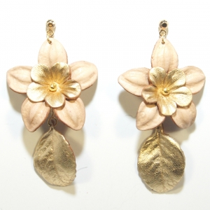 natural and gold flower leather earrings