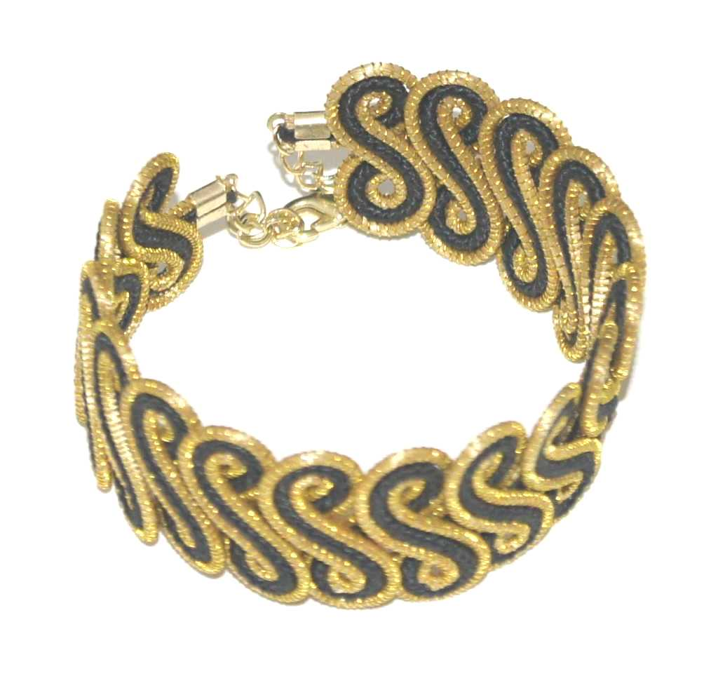 in bracelet jewellery the plain golden buy swirl pics designs gold online bracelets