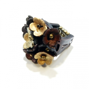 leather goldtone multiflower ring